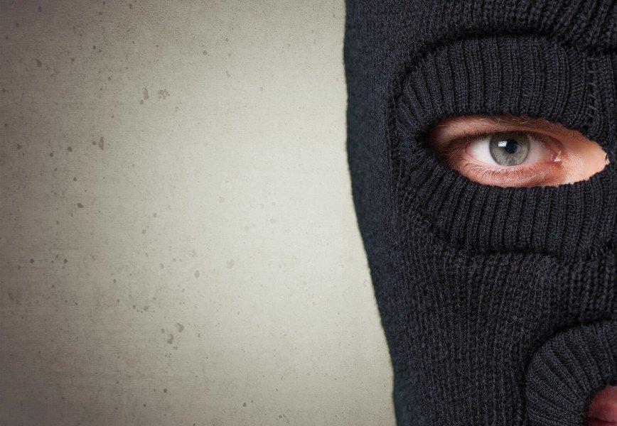 ways to keep burglars away